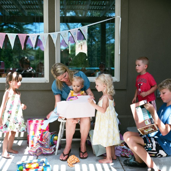 one year old birthday party opening presents